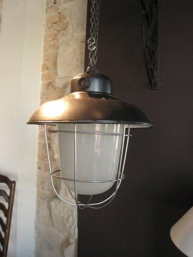 INDUSTRIAL METAL LIGHT