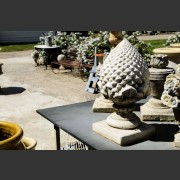 RECONSTITUTED STONE DECORATIVE PINEAPPLE