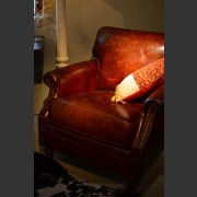 WINCHESTER AGED LEATHER CHAIR